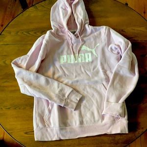 Puma hoodie girls lilac size ds mint condition